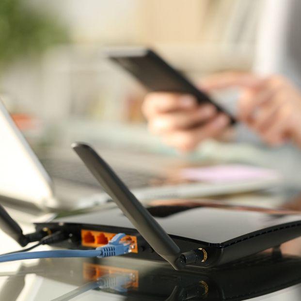 FACUA denuncia a las principales telecos por sus penalizaciones por no devolver los 'routers'. Foto: Bigstock