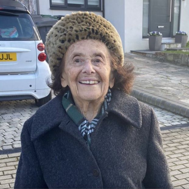 Una superviviente de Auschwitz se convierte en una estrella en TikTok a los 97 años. (Foto: Lily Ebert. Twiter: Dov Forman)
