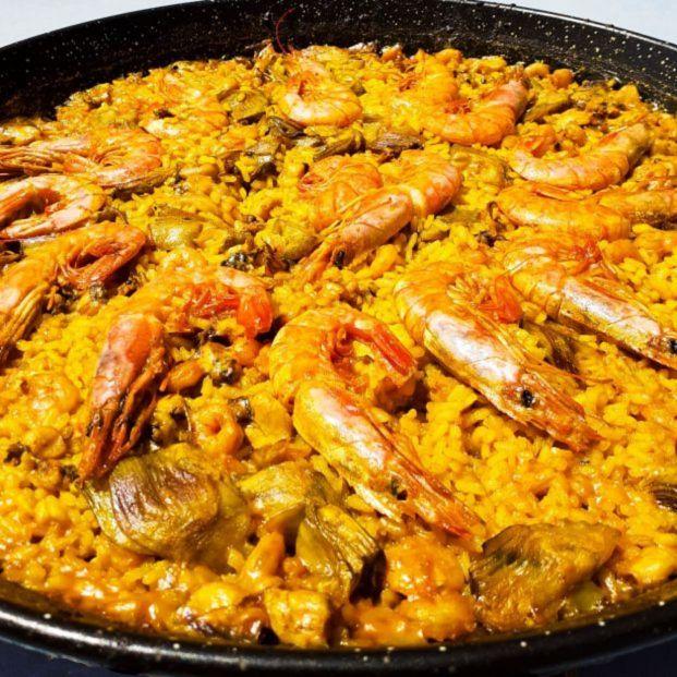 Cómo cocinar una paella valenciana perfecta, según el BOE