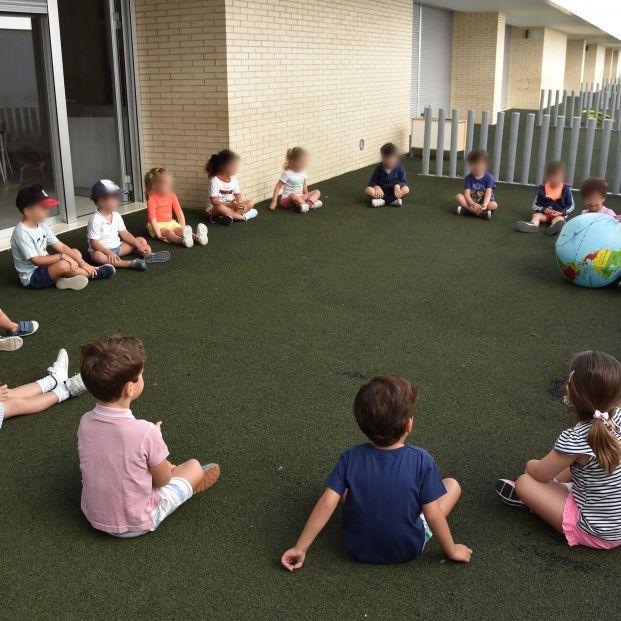 Los protocolos anticovid de los colegios en Madrid ya no contemplan la vuelta a la vida normal