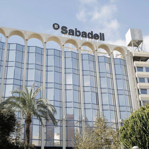 EuropaPress 3436570 sede banco sabadell alicante comunidad valenciana espana 17 noviembre 2020