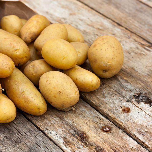 Por qué es mejor no comer patatas verdes y con brotes