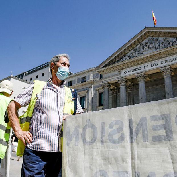 Todo lo que cambia en septiembre: pensiones, viajes del Imserso y ¿tercera dosis para los mayores?