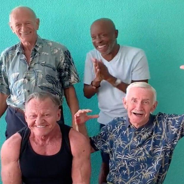 'Mayores Gays': cuatro hombres homosexuales triunfan en TikTok con sus retos virales