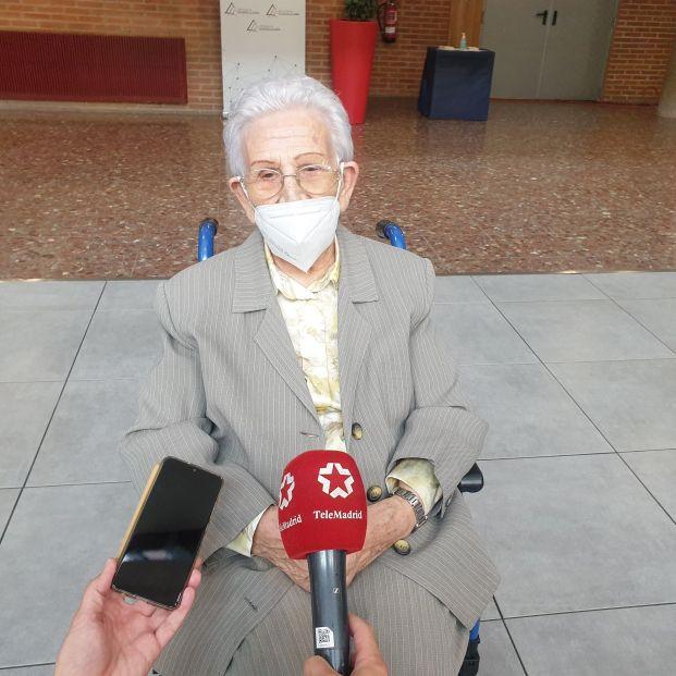 """Araceli Hidalgo, primera vacunada contra la Covid pide a los no vacunados """"que sean valientes"""""""