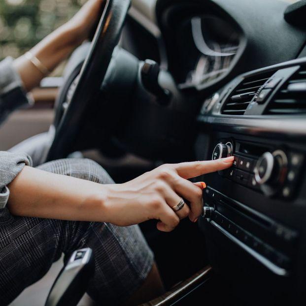 ¿Escuchas música cuando conduces? (bigstockphoto)