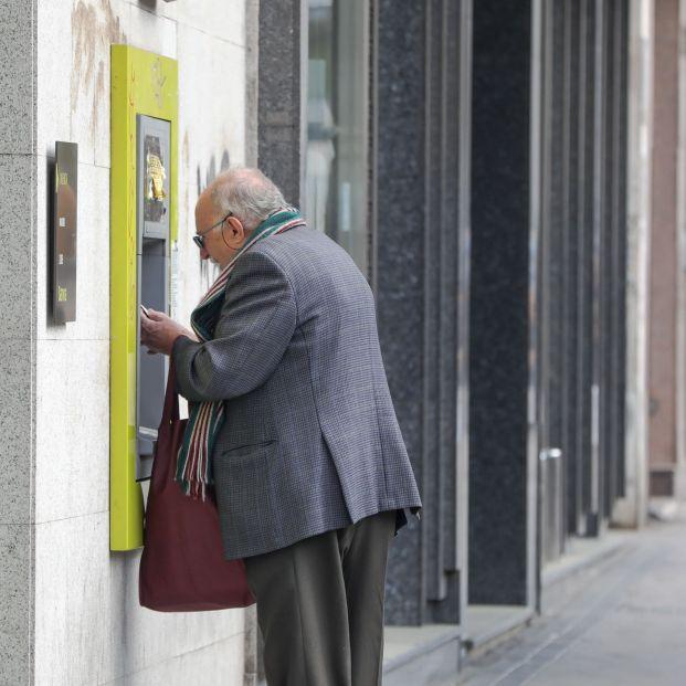¿Cuánto dinero puedo ingresar en el cajero sin levantar las sospechas de Hacienda?