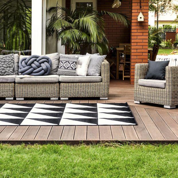 Guarda tus alfombras de verano correctamente y prepara las de invierno Foto: bigstock