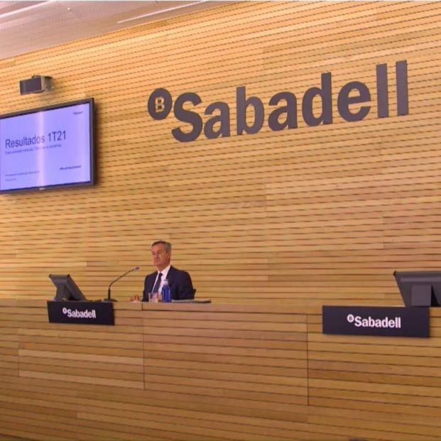 EuropaPress 3675762 director financiero banco sabadell leopoldo alvear izq consejero delegado