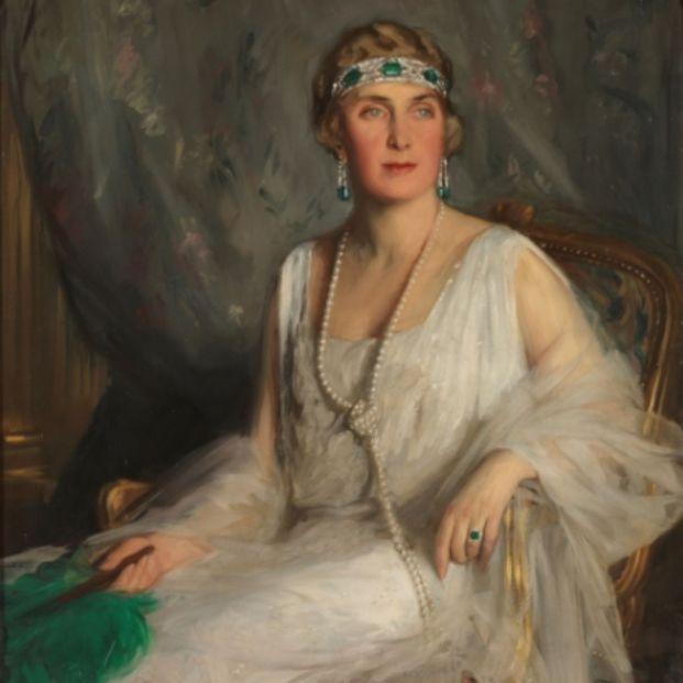 Cuadro de la reina Victoria Eugenia (https://www.museodelprado.es/coleccion/obra-de-arte/victoria-eugenia-de-battenberg/e7c54144-b88f-4fb5-987f-c3190331fc29)