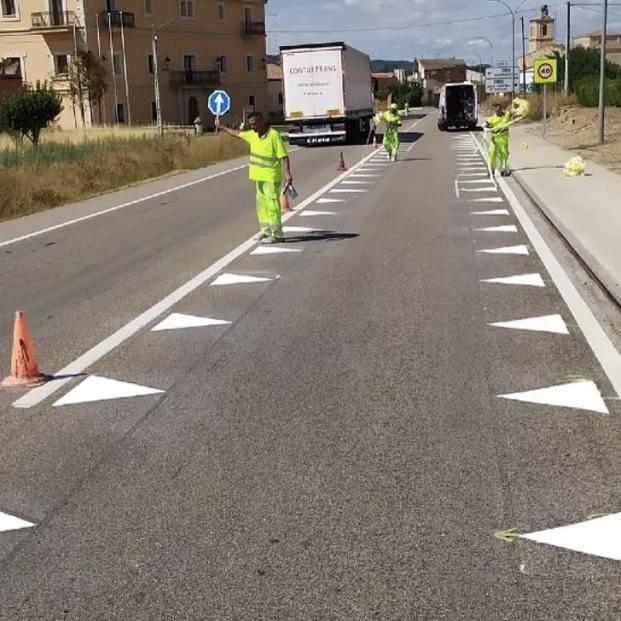 Dientes de dragón: ¿qué significan estas nuevas marcas viales en las carreteras españolas?