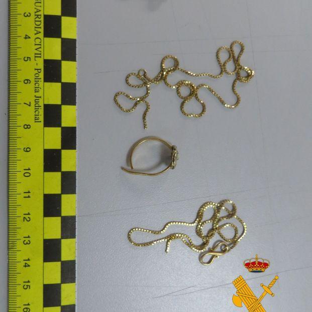 Detenida la dueña de un bar por robar numerosas joyas a un matrimonio mayor al que llevaba la comida. Foto: Europa Press