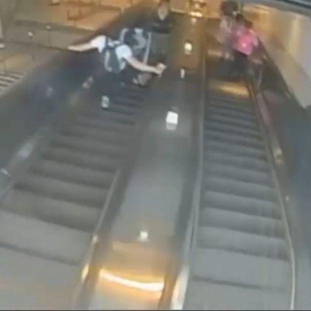 Se busca a un hombre que tiró a una mujer por las escaleras de una patada en el metro de Nueva York