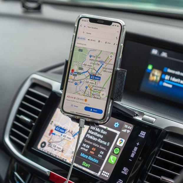 Google Maps se actualiza para que podamos evitar los frenazos en carretera, entre otras funciones. Foto: Bigstock