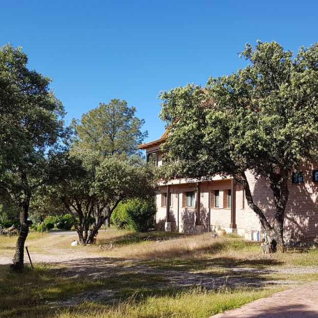 Un hotel rural de un pueblo de Toledo sale a subasta pública por un euro