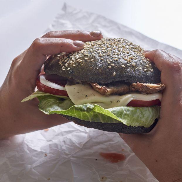 Pide una hamburguesa y se encuentra dentro un dedo humano