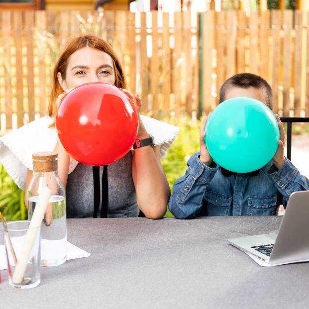 Alertan del peligro de los globos del gas de la risa
