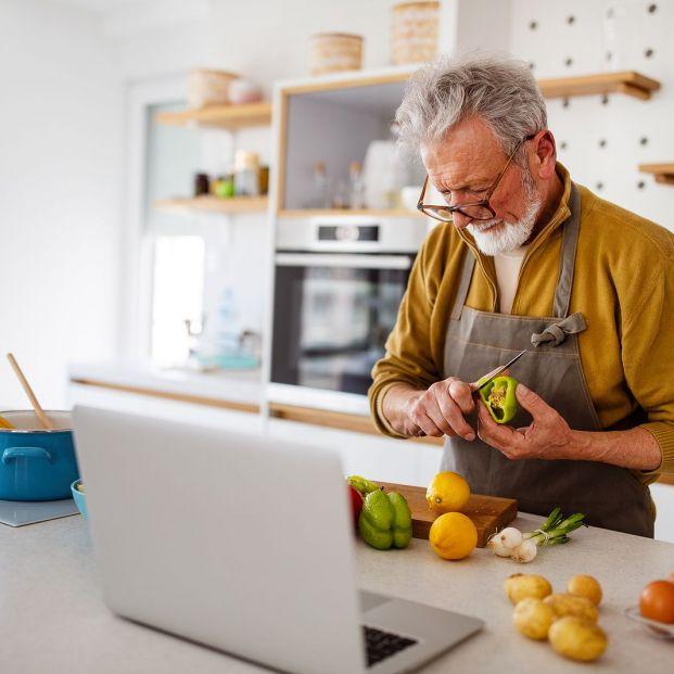 Si tu nuevo propósito es cocinar más, estos utensilios de Lidl llegan en el mejor momento (Foto Bigstock)