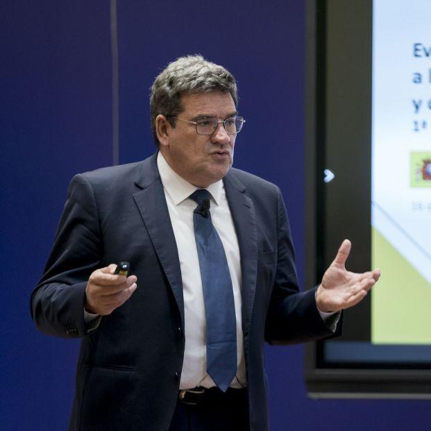 """Escrivá: """"Los pensionistas no pueden estar más que satisfechos con la reforma de las pensiones"""" (A. Pérez Meca / Europa Press)"""