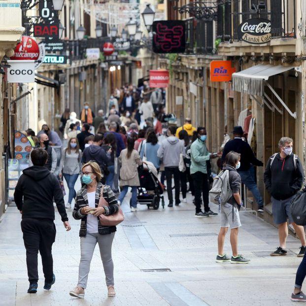Expertos descartan la necesidad de una tercera dosis en la población general. Foto: Europa Press