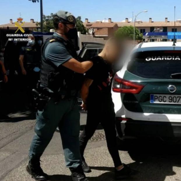 Detenidos los cinco integrantes de una banda que asaltaba a personas mayores con extrema violencia. Foto: Guardia Civil