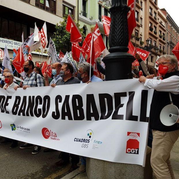 EuropaPress 3952907 movilizaciones asturias contra ele ere banco sabadell