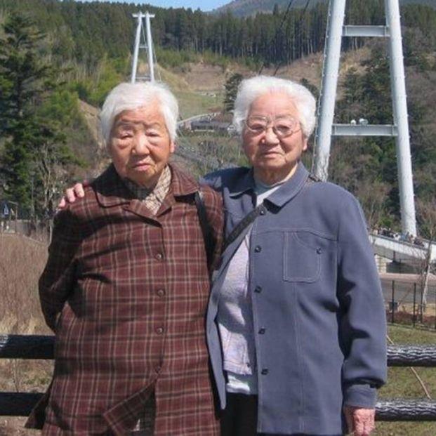 Umeno Sumiyama y Koume Kodama recibieron el Guinness World Records tras corroborarse que son las gemelas idénticas vivas con mayor edad en el mundo