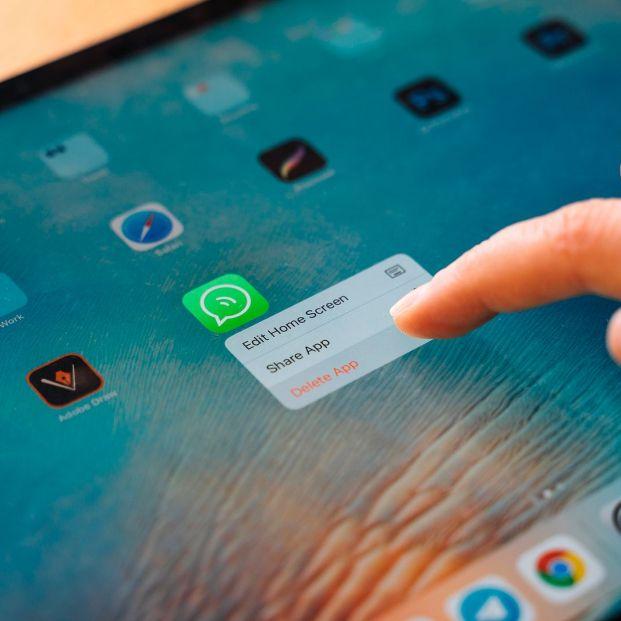 Cuidado con este supuesto mensaje de WhatsApp para que hagas una copia de seguridad descargarás un troyano en tu dispositivo (Foto Bigstock) 2