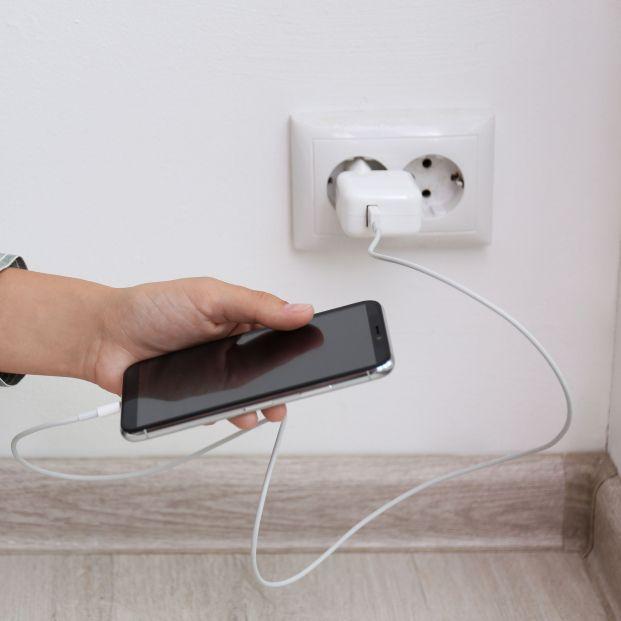 Bruselas propone imponer un cargador universal para móviles y tabletas
