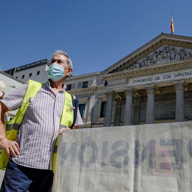 """Los pensionistas vuelven a salir a la calle para que se """"blinden las pensiones en la Constitución"""""""