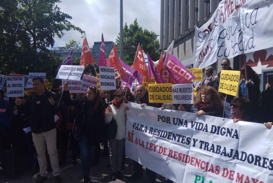 """Los familiares denuncian que """"prima la idea de negocio"""" en las residencias de la Comunidad de Madrid"""