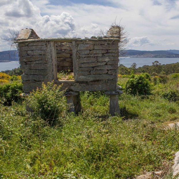 A la venta una aldea gallega entera con vistas al mar por 200.000 euros