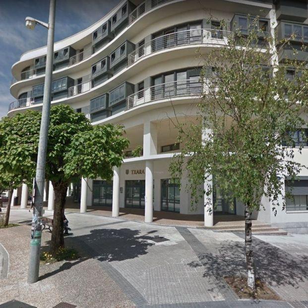 Denuncian a una residencia de San Sebastián por dejar 14 horas sin comer a sus mayores