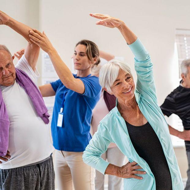 Qué es la gimnasia adaptada para mayores (Foto Bigstock)