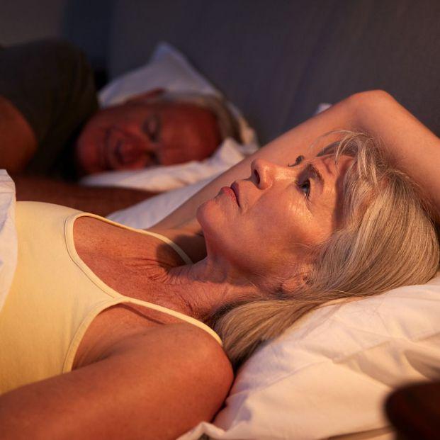 ¿Te cuesta conciliar el sueño? Un doctor revela los trucos para conseguirlo