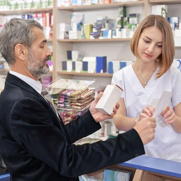 Qué es una reacción adversa de un medicamento y cómo notificarla