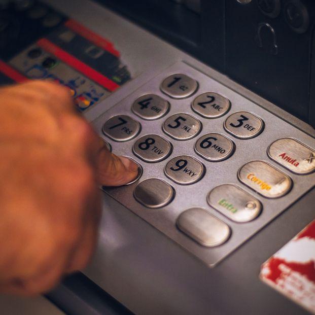 La retirada de efectivo en cajeros se dispara un 48% en el segundo trimestre de 2021
