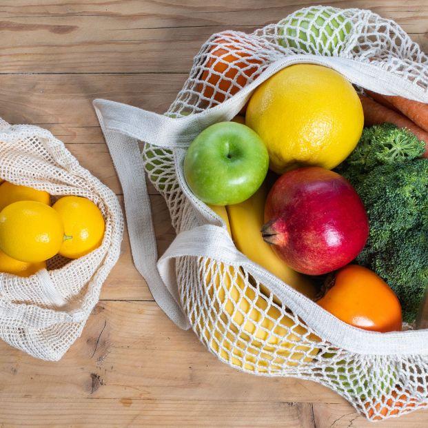 En 2023 tendrás que comprar la fruta y verdura en el súper con tu propia bolsa