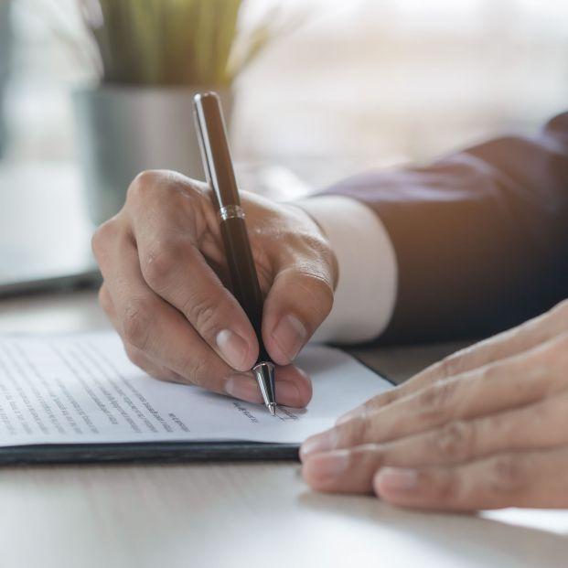 El 80% de los consumidores ha firmado un contrato bancario sin entenderlo, según Adicae