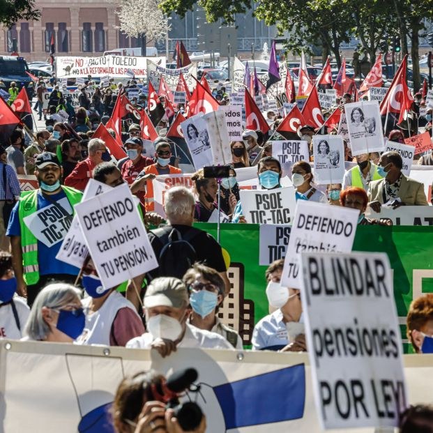 Miedo a un recorte de pensiones con el mecanismo de equidad intergeneracional que diseña Escrivá (Europa Press)