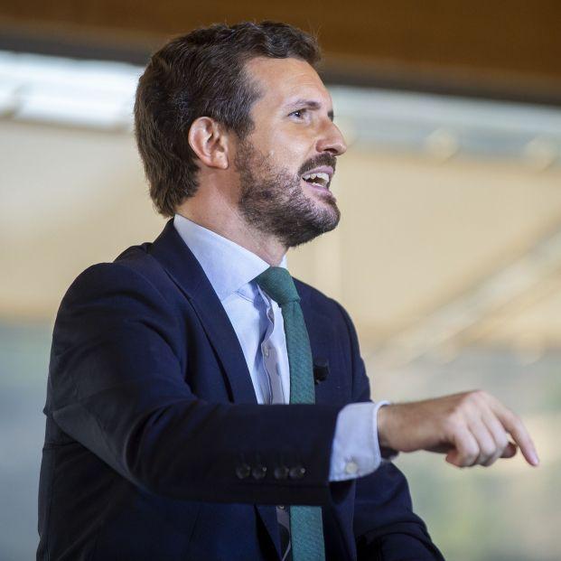 """Casado acusa a Sánchez de """"engañar a la gente"""" con la subida de las pensiones en 2022"""