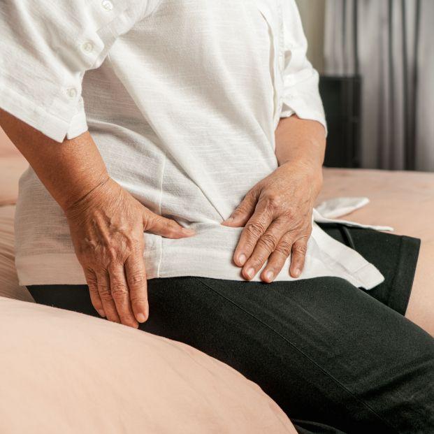 ¿Tienen razón los mayores cuando dicen que el dolor de articulaciones lo causa la humedad?