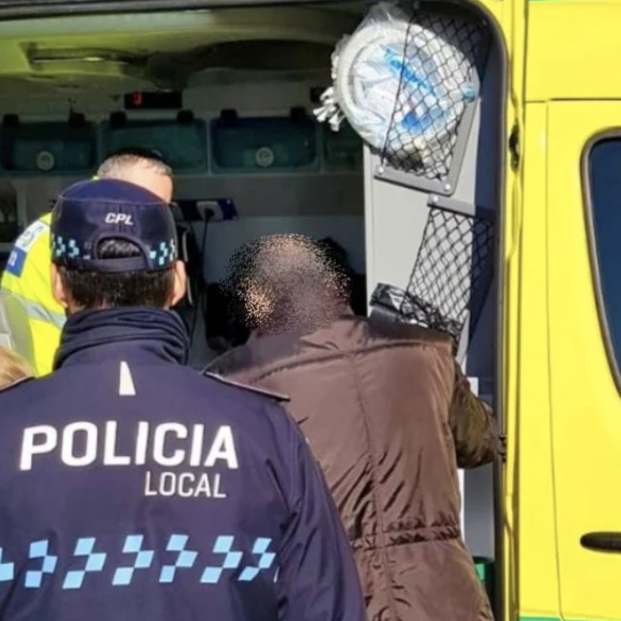 Una mujer de 89 años resulta herida al introducirse una rueda de su silla en una alcantarilla
