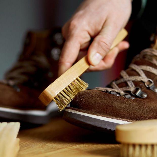 Cómo quitar las manchas de unas botas de ante. Foto: bigstock