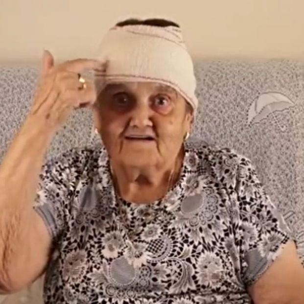 """Rosario, la abuela influencer extremeña, toca la salud mental: """"¿Y si arreglamos nuestra azotea?"""""""