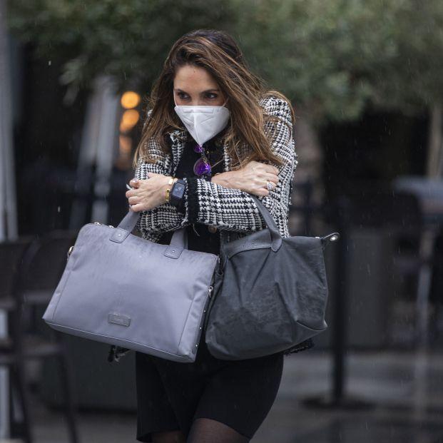El motivo por el que las mujeres tienen más frío que los hombres