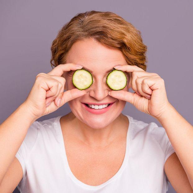 Remedios caseros y naturales para relajar las bolsas en los ojos