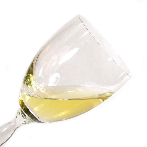 Los vinos generosos se definen en el Reglamento del Consejo Regulador como vinos secos