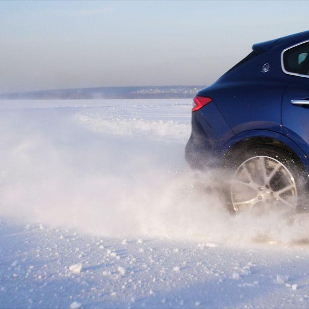 Carretera de hielo en Estonia