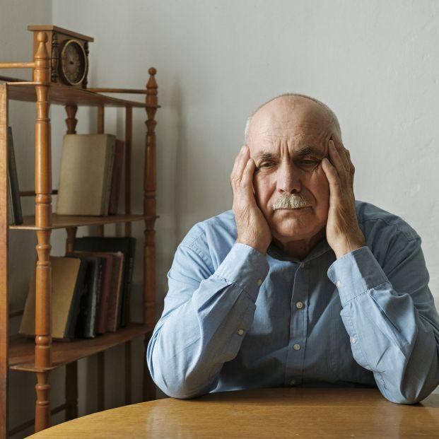 Hombre preocupado por problemas de erección (bigstock)